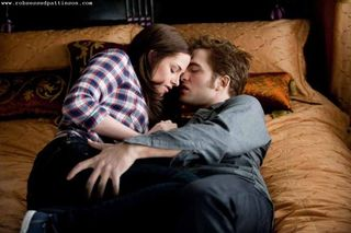 Eclipse-Movie-Stills-robert-pattinson-10417476-1300-866